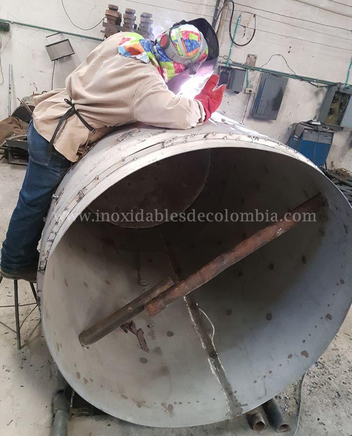 Fabricación de marmitas de 2500lts